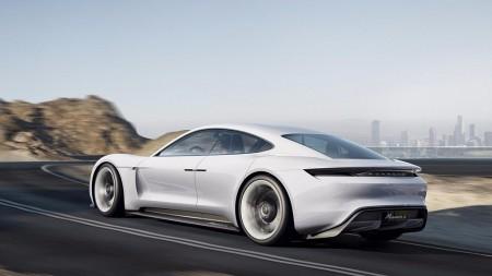 Porsche nos muestra el proceso de diseño del Mission E Concept