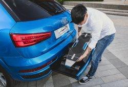 El concept car Audi connected mobility viene con un monopatín