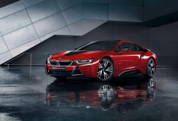 BMW i8 Celebration Edition Protonic Red, exclusivo para Japón