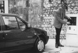 ¿Cómo le fue a PSA con los coches eléctricos en el pasado?