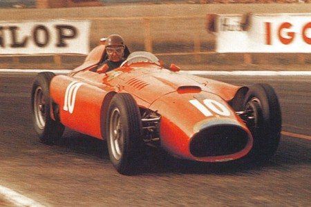 Ferrari brinda el cuarto título a Fangio en un gran año para España