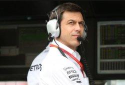 Mercedes busca eliminar errores para mantener a raya a la competencia
