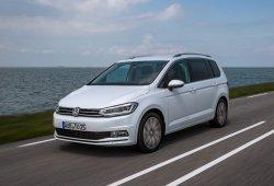 Alemania - Mayo 2016: El nuevo Volkswagen Touran seduce al público