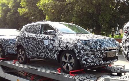 El nuevo SUV compacto de Jeep se muestra interior y exteriormente