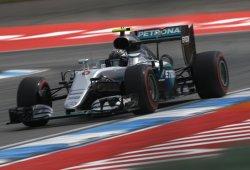 Rosberg se hace valer con su pole ante Hamilton