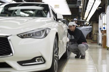 El Infiniti Q60 inicia su producción en Japón