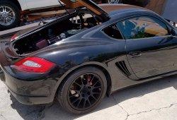 ¿Locura o genialidad? Un Porsche Cayman con el V8 del Ford Mustang