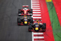 """Ricciardo, encantado de aprender de las """"nuevas técnicas de pilotaje"""" de Verstappen"""