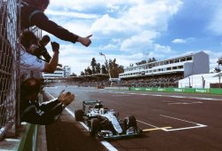 Hamilton iguala a Alain Prost y busca cazar a Rosberg