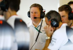 Zak Brown descarta a Hamilton mientras sigan Alonso y Vandoorne