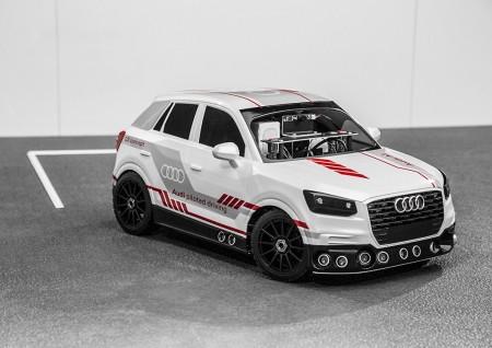 Audi muestra sus avances en la conducción autónoma con un Audi Q2 a escala