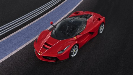 Ferrari subasta el último LaFerrari coupé por la cifra récord de 7 millones de dólares