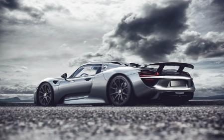 El Porsche 918 Spyder sufre una nueva llamada a revisión, y van...