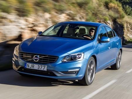 Suecia - Noviembre 2016: Primera victoria del Volvo S60
