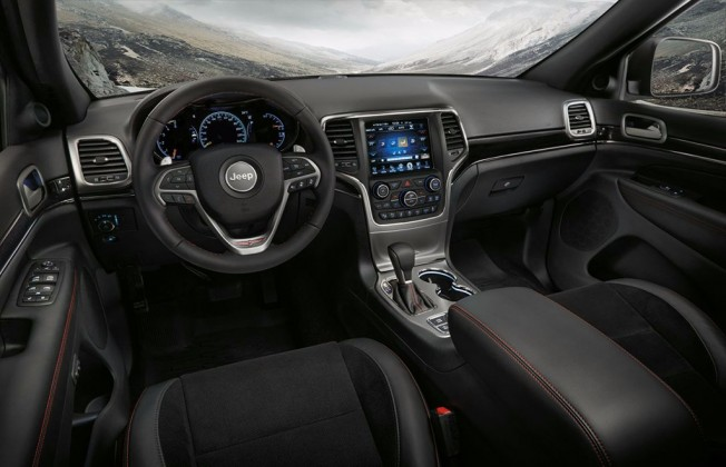 Jeep Grand Cherokee 2017 - interior