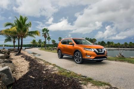 Estados Unidos - Diciembre 2016: El Nissan X-Trail (Rogue) conquista América  con su restyling