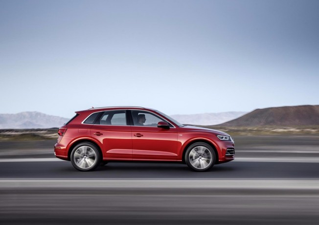 Audi Q5 2017 - lateral