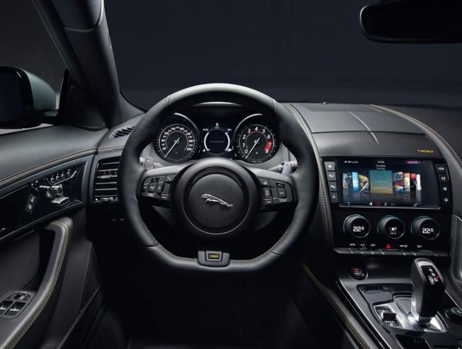 Jaguar F-Type 18MY - interior