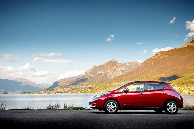 Nissan Leaf - lateral