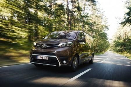Toyota ProAce Verso 2017 ya disponible en España, te detallamos su gama y precios
