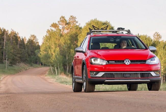Volkswagen Golf Alltrack 2017 - frontal