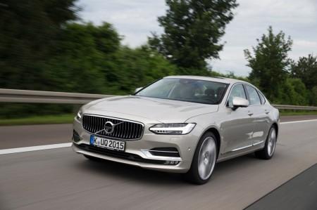 Suecia - Febrero 2017: El Volvo S90 logra el ansiado liderato