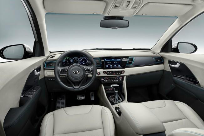 Kia Niro PHEV 2017 - interior
