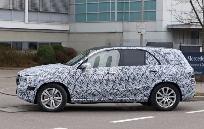 Mercedes GLE 2018 - foto espía lateral