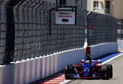 Los neumáticos le amargan el viernes a Carlos Sainz