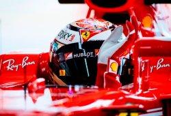 Räikkönen planta cara a los Mercedes en los Libres 1