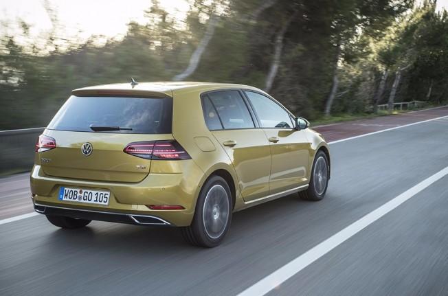 Volkswagen Golf 2017 - posterior