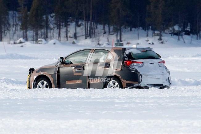Toyota Auris 2018 - foto espía posterior
