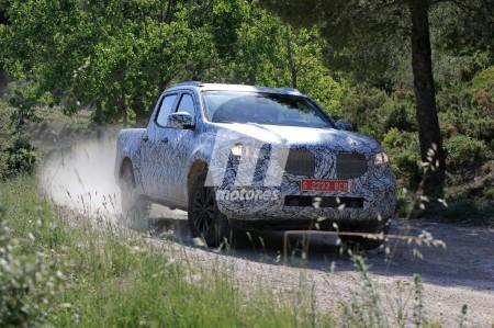 Mercedes Clase X 2018: el pick-up se deja ver por España durante su desarrollo