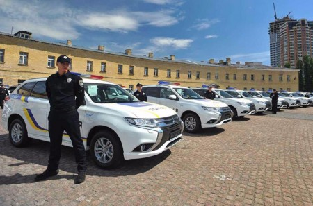 La policía ucraniana se «hibridiza» con el Mitsubishi Outlander PHEV
