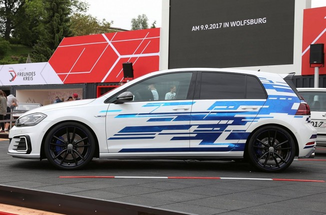 Volkswagen Golf GTE Performance Concept - lateral