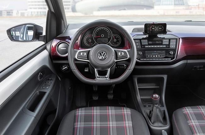 Volkswagen Up! GTI 2018 - interior
