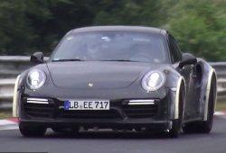 Extraña mula del Porsche 911 Turbo (992) probando en Nürburgring