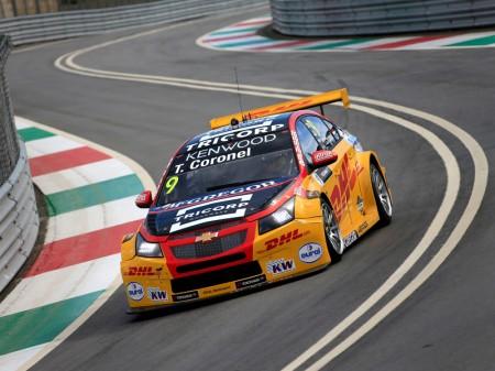 Tom Coronel sufrió 25G en su accidente en Vila Real