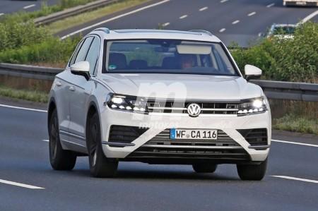 Volkswagen Touareg 2018: cazado casi al desnudo antes de Frankfurt 2017