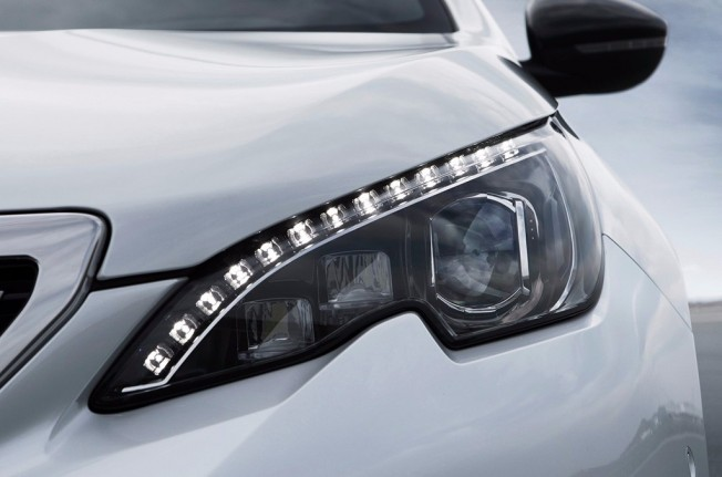 Peugeot 308 2018 - faros