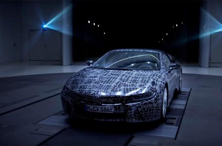 Primer adelanto del BMW i8 Roadster 2018 antes de su puesta de largo