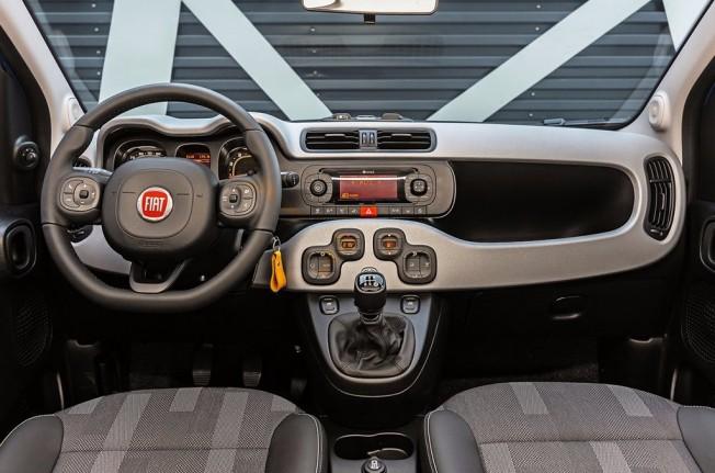 Fiat Panda City Cross 2017 - interior