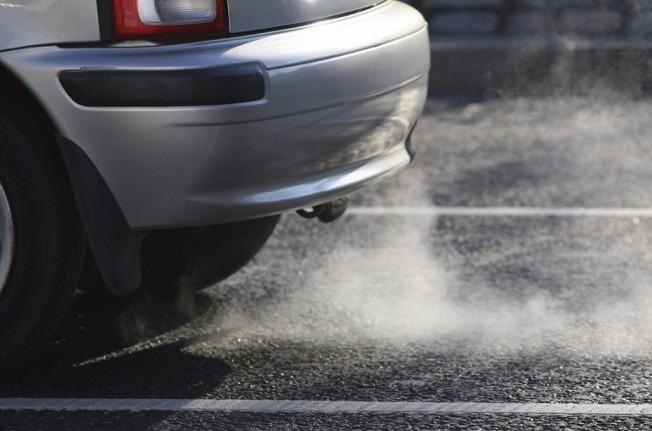 Gases de escapes de coches