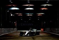 Hamilton saca oro del caos nocturno de Singapur