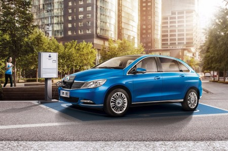 Daimler y BYD planean nuevos coches eléctricos para China