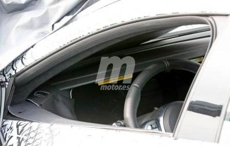 Nos asomamos al interior del nuevo Mercedes-AMG GT 4, por primera vez