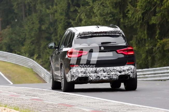 BMW X3 M 2018 - foto espía posterior