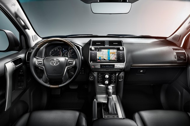 Toyota Land Cruiser 2018 - interior