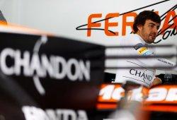 "Alonso admite que la victoria de Verstappen ""añade presión a McLaren"""
