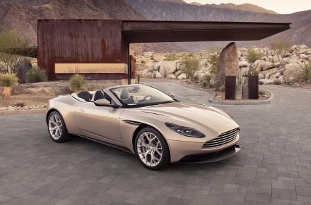 Aston Martin DB11 Volante 2018: elegancia y distinción a cielo abierto